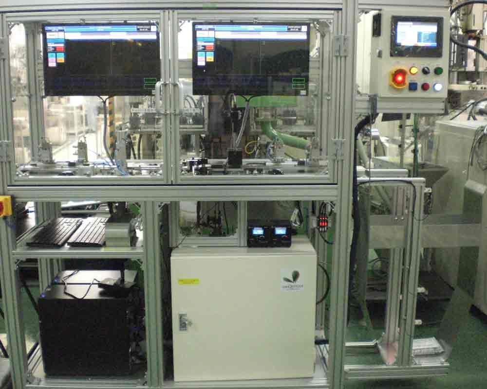 インサート成形コネクタ検査装置